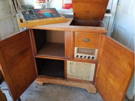 Mid-century Magnivox record and radio console